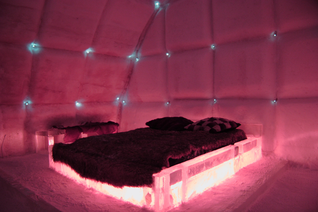 the only ice hotel in north america h 244 tel de glace